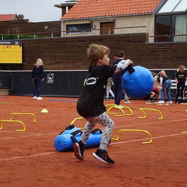 Fun, fun, fun with MoveQ & ultimateinstability on court one at Swedish Open, ATP & WTA tournament  Kids Day in Båstad, Sweden 2016. Scientific based playful motor development. moveq #mq #3dfunction #feelbetter #movebetter #performbetter #move #learn #grow #live #playful #fun #challenge #success #fun2move #cool2move #master2move #motordevelopment #cognitivedevelopment #scientificbased #measurable #head #ultimateinstability #coretex #plyosteps #moveqboard #pelvicore #procedosplatform9…