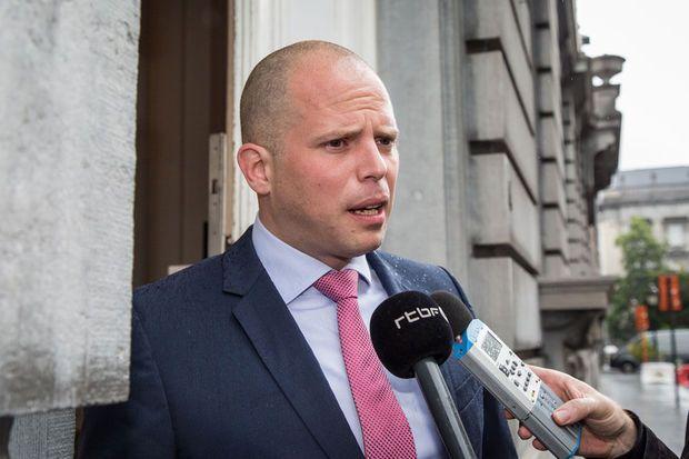 'Als SP.A en Groen zeggen dat wij racisme aanwakkeren, vind ik dat heel kort door de bocht', stelde staatssecretaris voor Asiel en Migratie Theo Francken (N-VA) vandaag in…