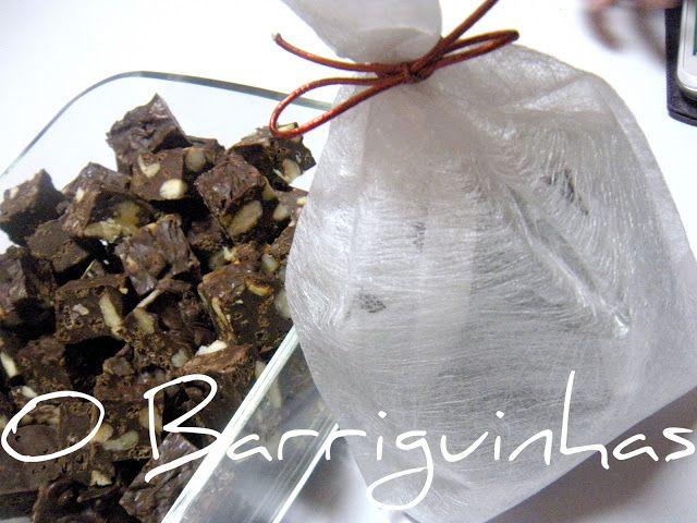 Bombons de Chocolate com Nozes, Amêndoas e Arroz Estufado