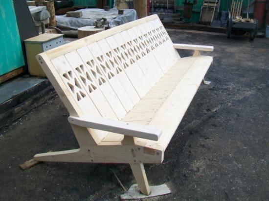 садовая скамья с элементами резьбы скамья ель плотницкие работы