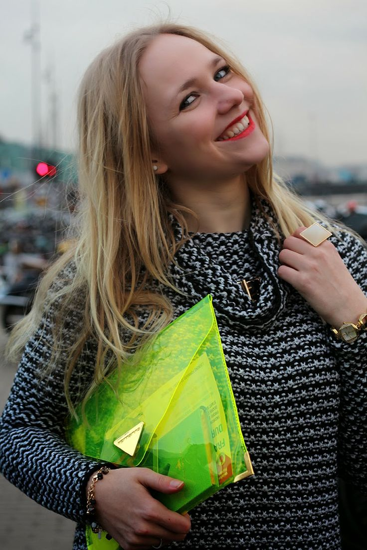 How to wear the gift clutch of Perfect Shape denim? Let's get inspired by @Saranda Walgaard at Amsterdam fashion week!  #fashionbloggers #clutch #pvc #bag