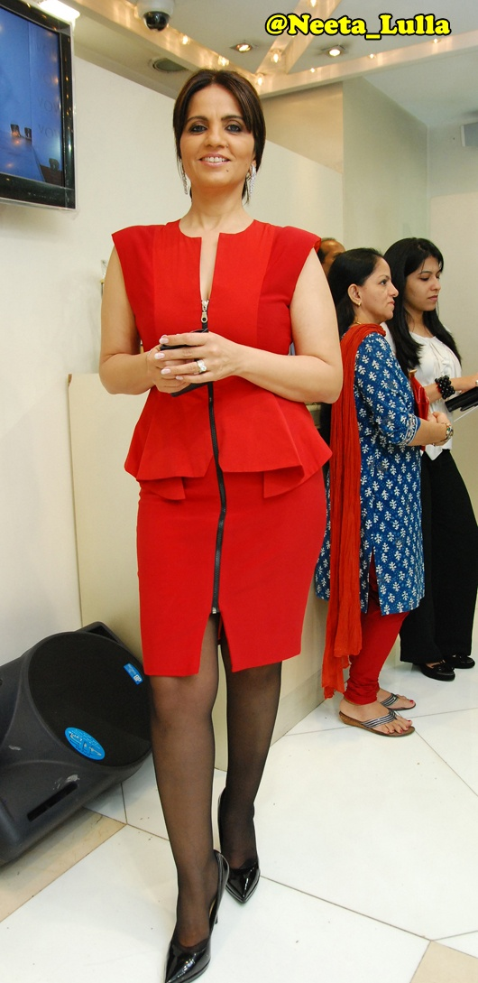 Neeta Lulla at the launch of #Loop Collection #Vow