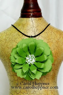 St. Pat's Day Necklace to MakeSaint Patty'S, Holiday Ideas, Clothing, Favorite Holiday, Flower Necklaces, St Patricks Day, Crafts Gossip, Sweets Necklaces, Pretty Necklaces