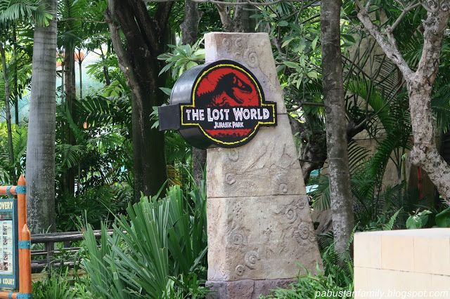 Universal Studio Singapore: Universal Studio Singapore Lost World Zone