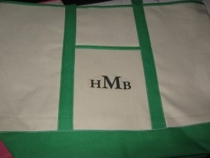 I desire I could figure out where that is from. Nobody is aware!Ll Beans, Crafts Ideas, Beans Monograms, Gift Ideas, Monograms Totes, Totes Bags, Diy Monograms, Beans Totes, Monograms Bags Diy