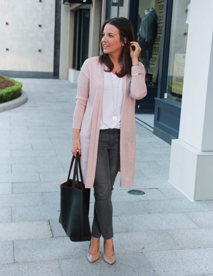 Fall Outfit | Blush Pink Cardigan | White Tee | Gray Jeans | Lady in Violet