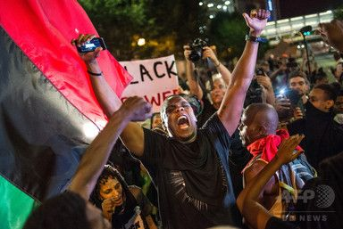 警官の黒人射殺で抗議デモ激化米シャーロットに夜間外出禁止令 - AFPBB News