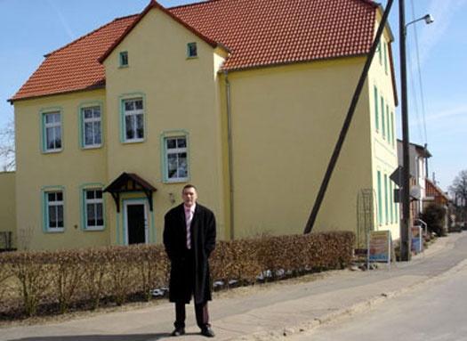 Als Projektleiter des betreuten Wohnen im Verein IMAGO91 in Frankfurt/Oder, lade ich jeden herzlich ein, der unser Haus kennen lernen möchte. Kontaktformular, Telefonnummer und Wegbeschreibung, das finden Sie alles hier im Blog.