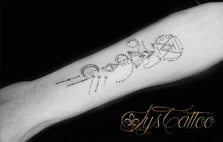 Les 25 meilleures id es de la cat gorie tatouage avant bras homme sur pinterest tatouages sur - Tatouage trait bras ...