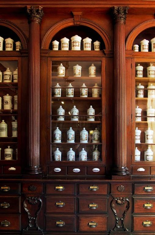 Farmacia Francesa Triolet  Museo Farmacéutico de Matanzas Cuba © 2012 Carlos Alberto Fleitas
