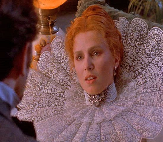 Lucy Westenra (Dracula) - that collar!