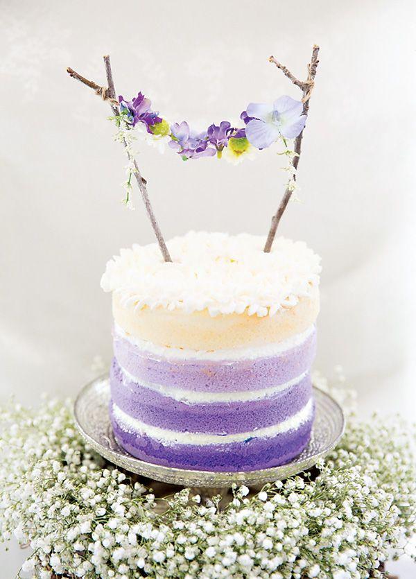 Hermosa decoración para un pastel en una fiesta de hadas :: Beautiful decoration for a cake in a fairy themed party