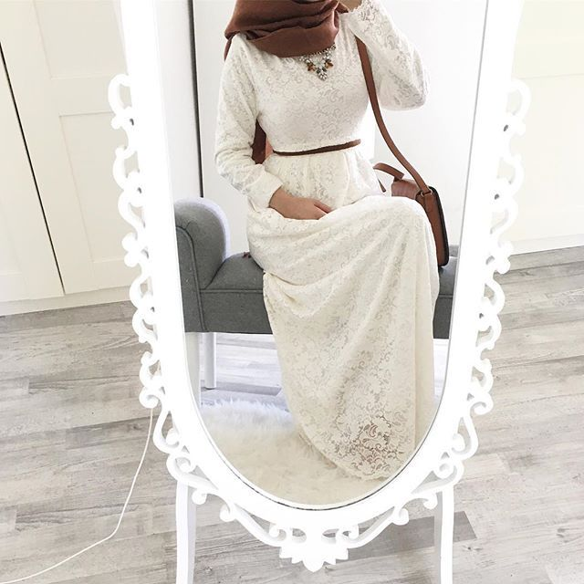 "3,221 Likes, 30 Comments - Ebru (@ebrusootds) on Instagram: "" Love   Skirt & top (set)  @elifgiyim_almanya  Hijab (pastellgrün)  @ay_h1jab  Ps: der Rock…"""