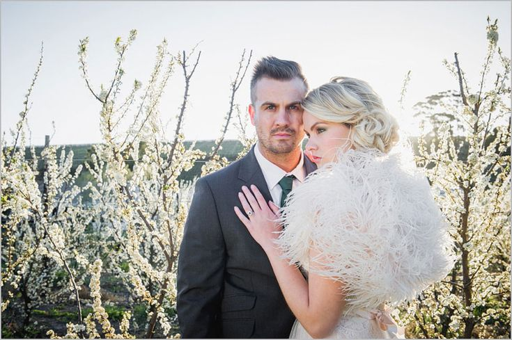 Lauren-Kriedemann_Blush_emerald_gold_styled_wedding034
