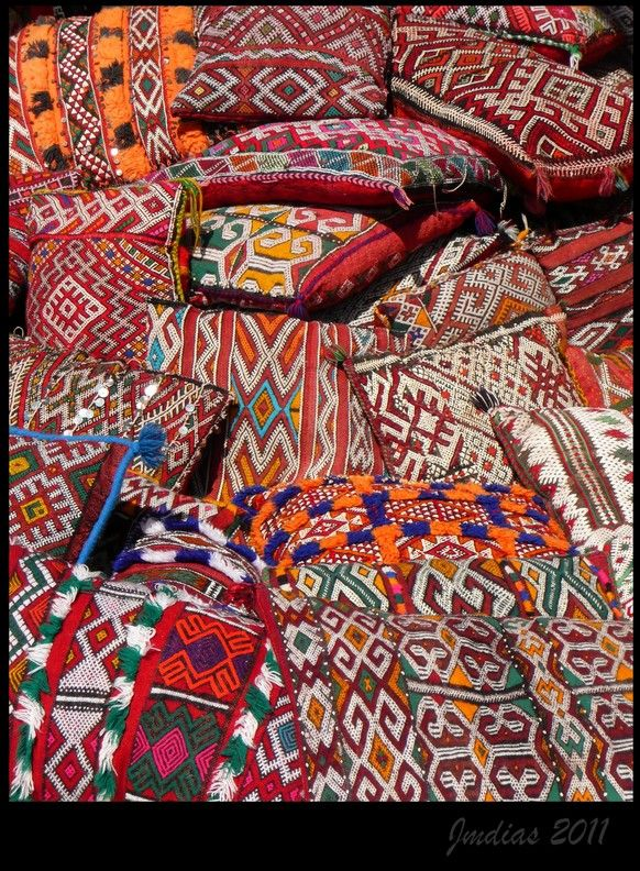 Cushions and Cushions, Morroco.   Photo credits: jmdias, TrekEarth