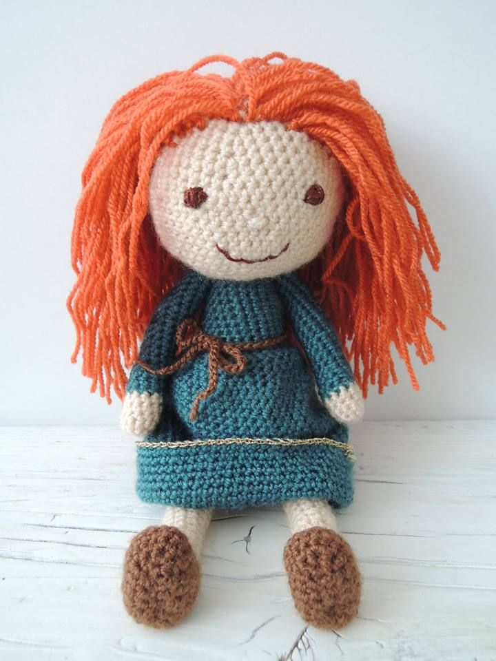 Crochet. Brave Merida. Toy. Doll. https://scontent-vie1-1.xx.fbcdn.net/hphotos-xta1/v/t1.0-9/12391381_540269806124472_4421945190009576892_n.jpg?oh=6a398b906c0486461f425957f39a9dfd&oe=571B26C7