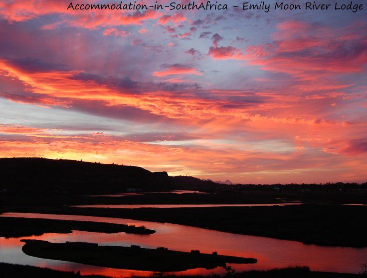 Plettenberg Bay Accommodation. Sunrise at Emily Moon River Lodge. Accommodation in Plettenberg Bay. Lodge Accommodation in Plettenberg Bay.
