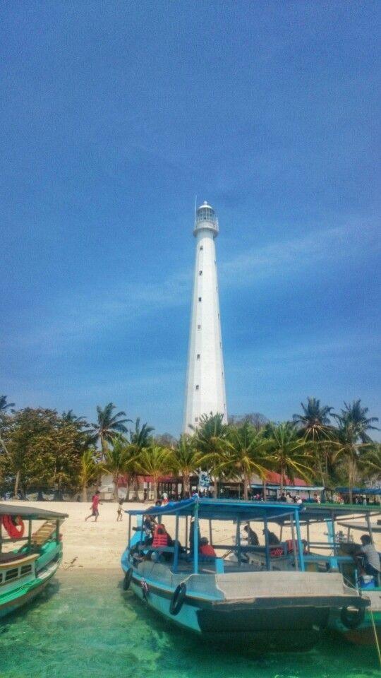Mercusuar Pulau Belitung VS Carlo De Huts