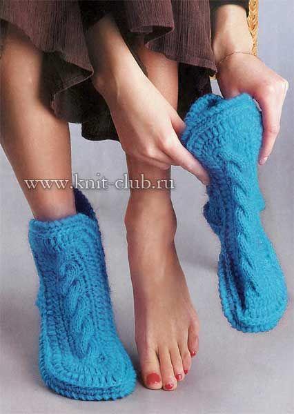 Теплые вязаные носки-сапожки