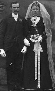 Brud~Bal och Festklänningar   www.BALochFEST.SE: Vid 1800-talets mitt blev brudklänningen svart