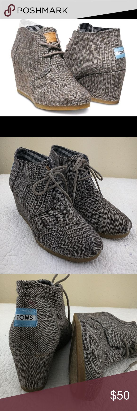 ??Tom's Brown Herringbone Desert wedge Booties???? Excellent condition no damage at all, very gently used. very comfortable. TOMS Shoes Wedges