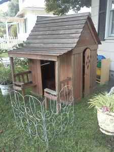 Outdoor: Play House.