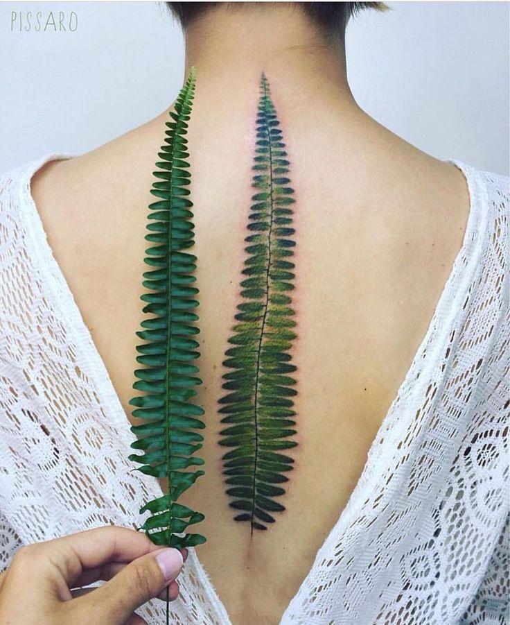 Tatuaje hiperrealista de la artista tatuadora Pis Saro
