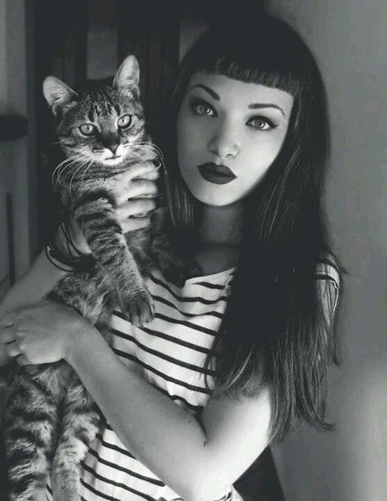 lol....this is what I *think* I look like. I do wear stripes and lipstick.