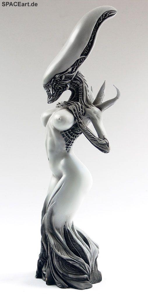 'Alien: Female Alien Mother' from spaceart.de