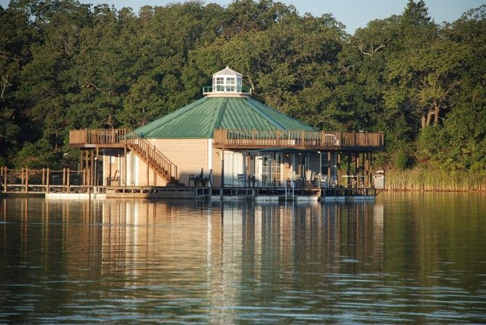 12 unique places to stay in Oklahoma (10. Lake Murray Floating Cabins-Ardmore, OK)