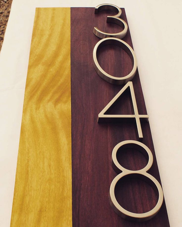 Feeling the love for this color combination! Yellow heart and purpleheart for a beautiful address plaque! #yellowheart #purpleheart #color #address #addressplaque #woodfun #woodnerd #woodgrain #modernnumbers #modernhousenumbers #moderndesign #midcenturymodern #curbappeal #creativityfound #createsomething #makesomething #buildcoolstuff #workwithyourhands #wood #woodwork #etsy #smallbusiness #shoplocal #goodtothegrain de goodtothegrain