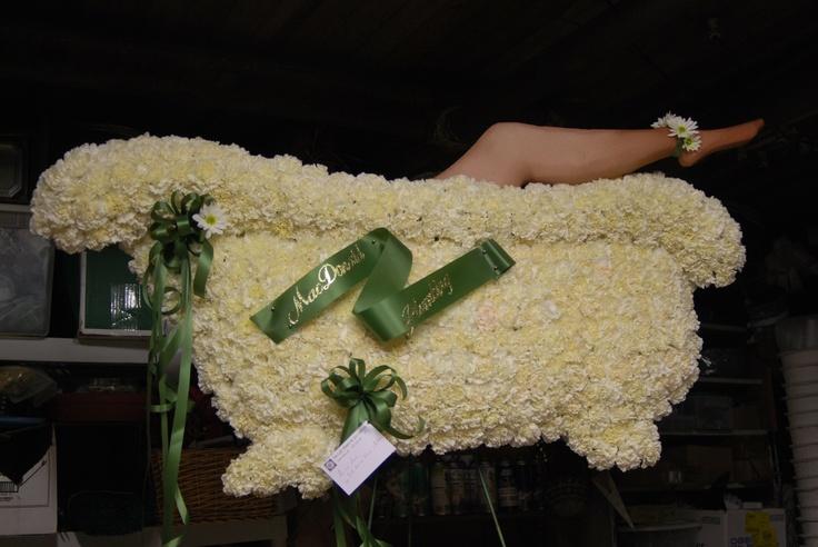 Clawfoot Bathtub Custom Funeral Flowers Sculpture Www Theloftflorist Com Funeral Custom