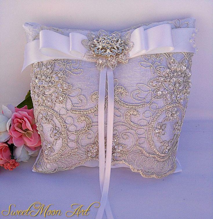 Cojín para anillos de boda blanco, cojín porta alianzas, cojín de encaje y lazo, almohada portador anillos, almohada nupcial,cojín blanco de SweetMoonArt en Etsy