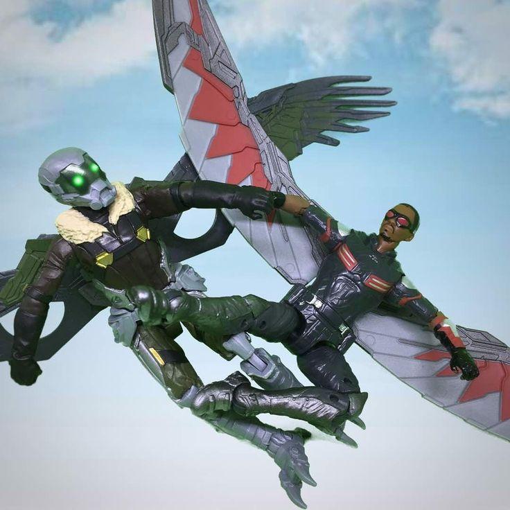 Vulture vs falcon