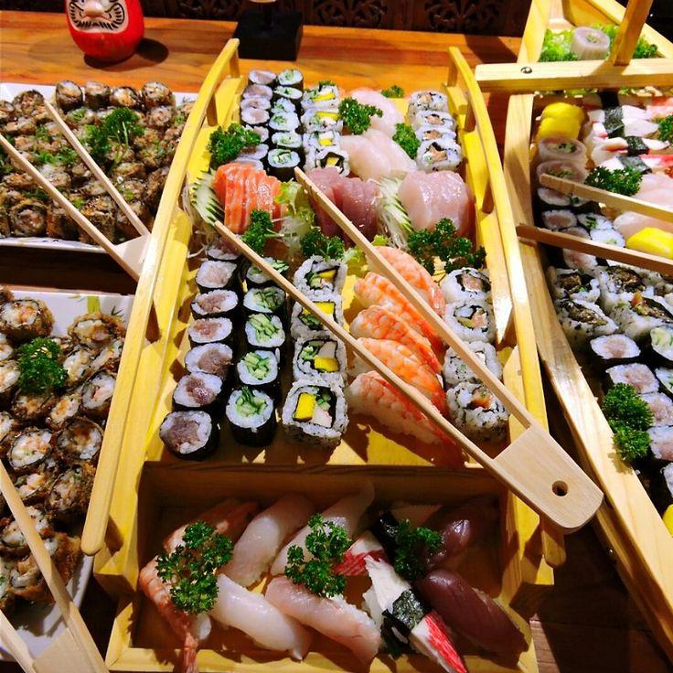 Fale com a Yumi Sushi para realizar um buffer japonês para casamentos.