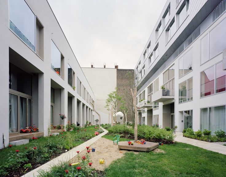 Gallery of BIGyard / Zanderroth Architekten - 8