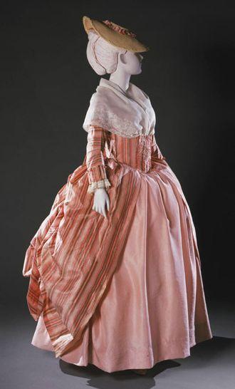 Robe à la Polonaise 1765-1780 The Philadelphia Museum of Art - OMG that dress!