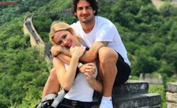 Fiorella Mattheis e Alexandre Pato terminam o namoro após três anos
