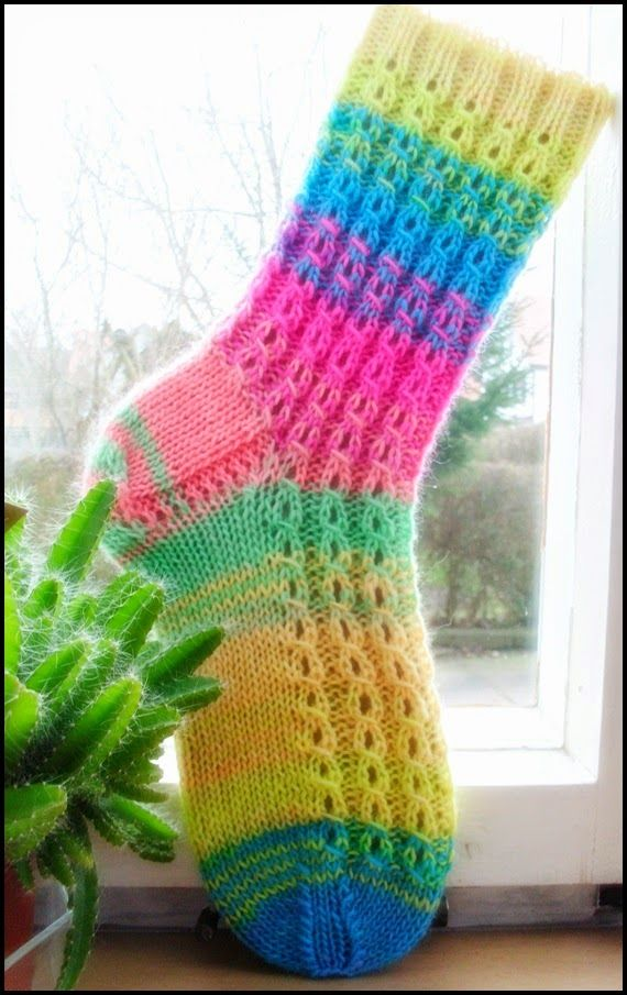 Fido Mai 2014 Sock Knitting Patterns Knitting Patterns Easy Knitting Patterns