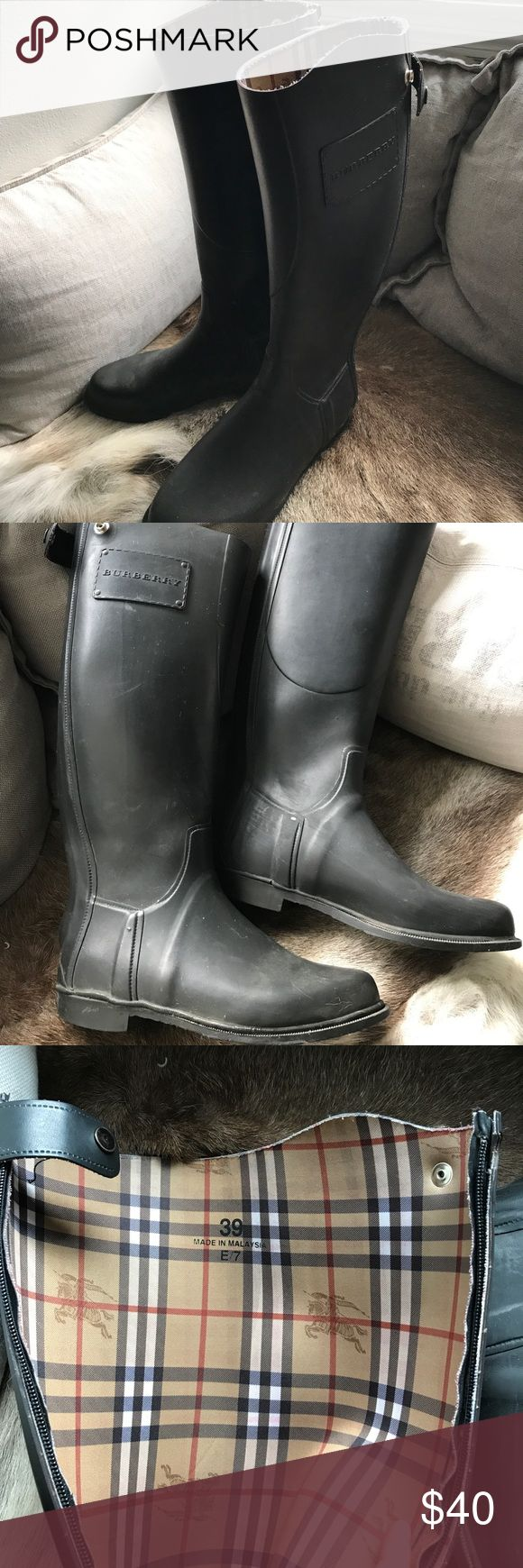 Burberry rain boots Burberry rain boots size 39. Riding boots style. Rubber all around, good working condition. Burberry Shoes