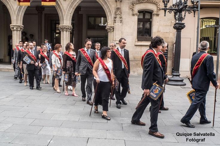 Seguici de les autoritats fins a l'acte Solemne de Festa major que es realitza a la Catedral del Sant Esperit, abans del tradicional ball de plaça
