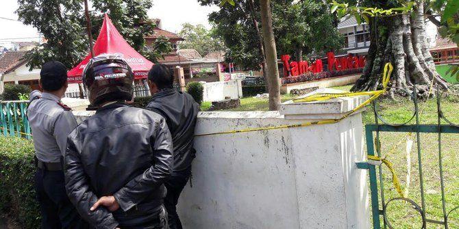 Pelaku Bom Juga Meletakan Bom Panci Di Tempat Lain       Mejapoker88  - Terduga pelaku teror bom ...