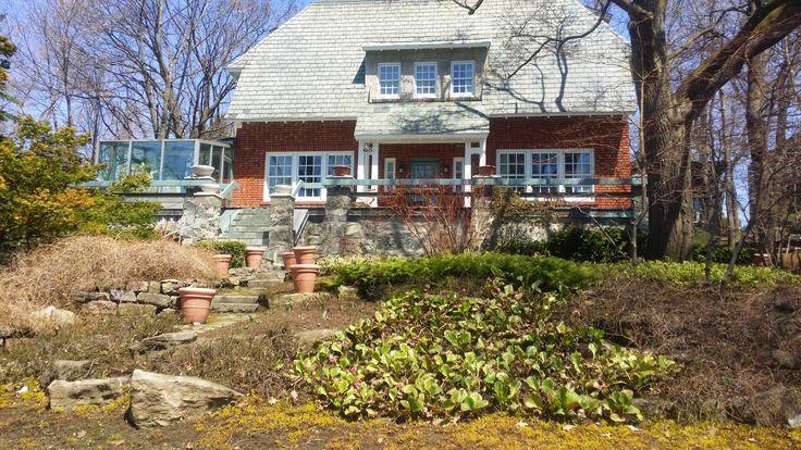 Westmount - green home with solarium