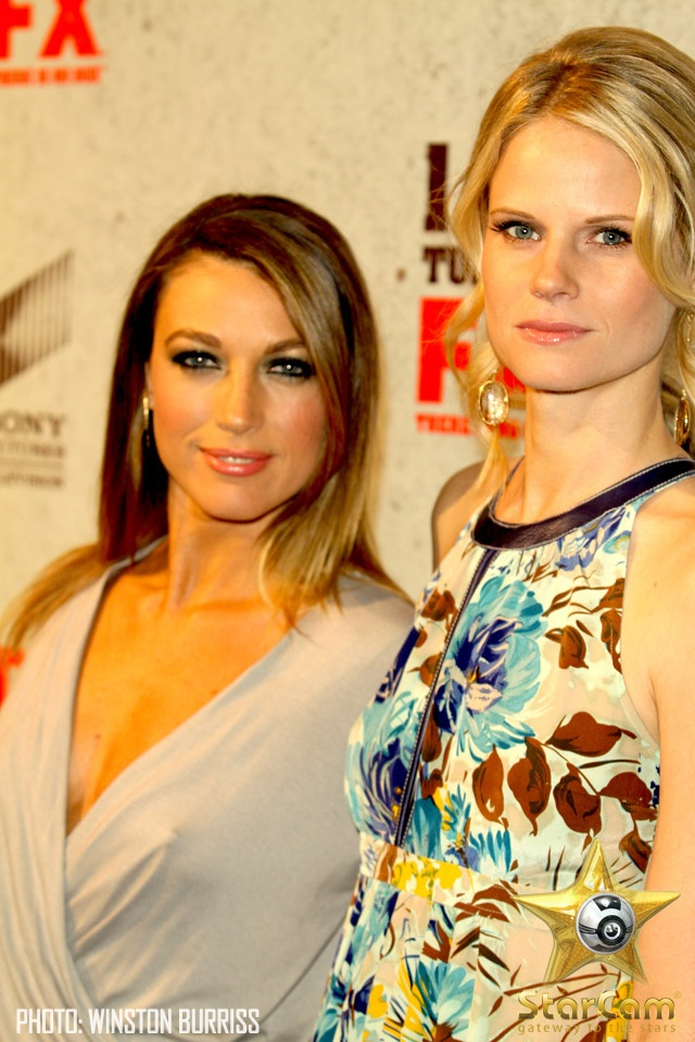 Natalie Zea (Winona Hawkins) and Joelle Carter JUSTIFIED <3