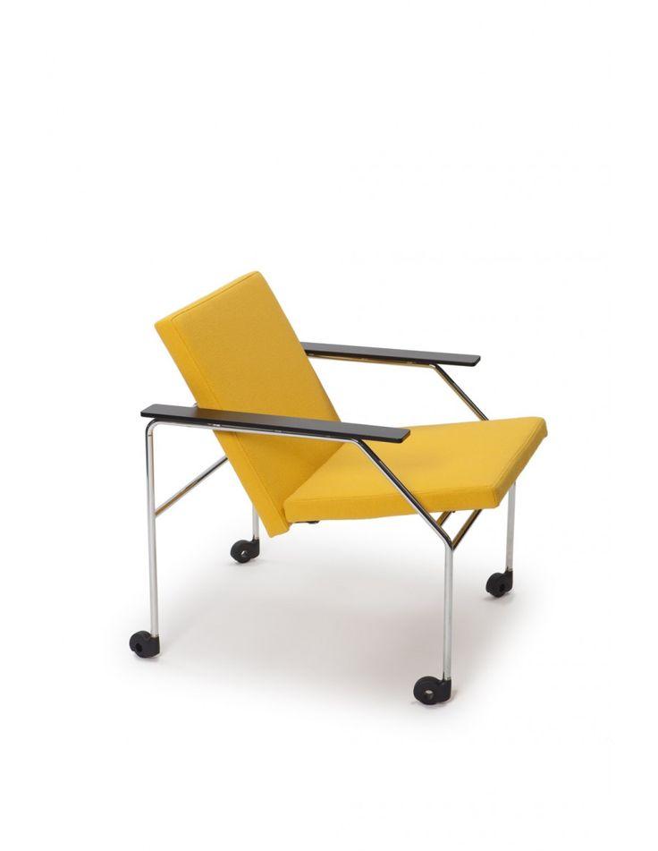 The original VISIO furniture line was designed in 1980 by Simo Heikkilä and Yrjö Wiherheimo.