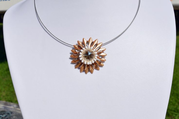 LUXURY GOLD PENDANT UNIQUE GERBERA STYLE from luxurybeadjewelry.co.uk