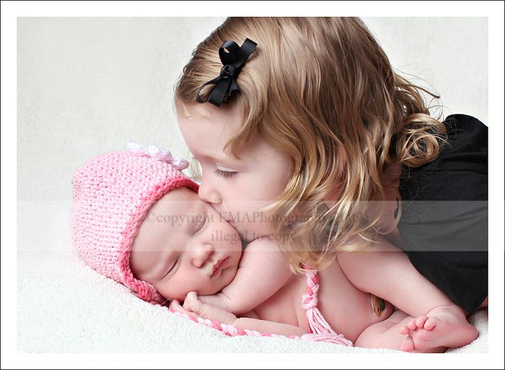 Bellyitch 9 newborn and big sibling photography ideas photos