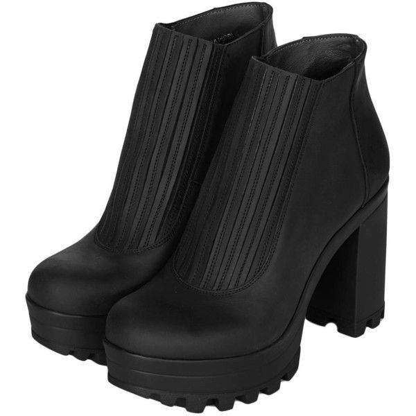 TOPSHOP HAPPY Cleated Sole Boots (42 CAD) ❤ liked on Polyvore featuring shoes, boots, heels, botas, chelsea boots, black boots, topshop boots, black leather shoes and black chelsea boots