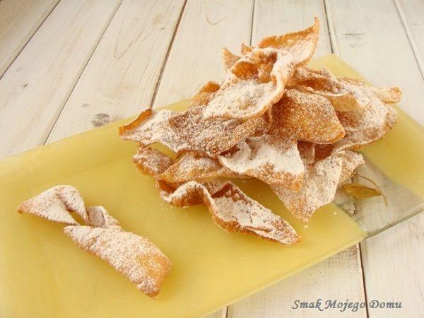 Smak Mojego Domu: Tradycyjne, kruche faworki, czyli chrust