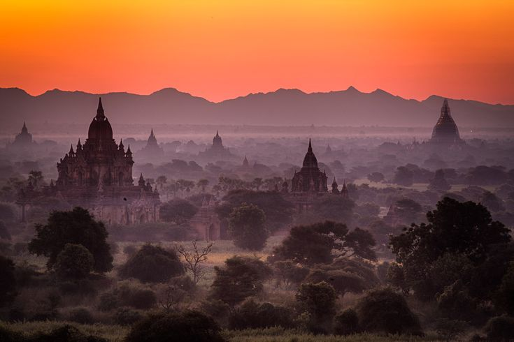 Marvelling at the temples in Bagan More photos: http://sandvand.net/photography-myanmar-marvelling-temples-bagan/